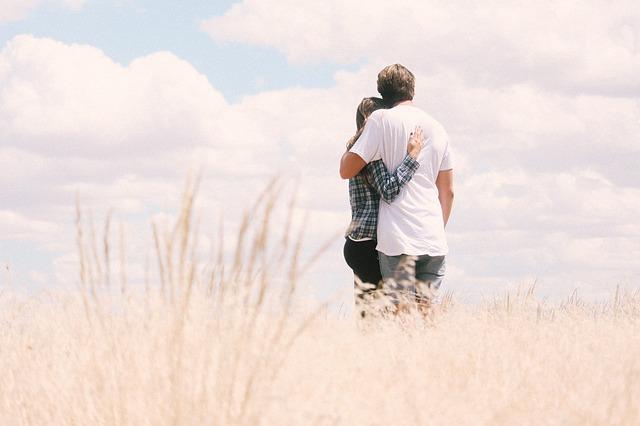למצוא אהבה באתרי הכרויות