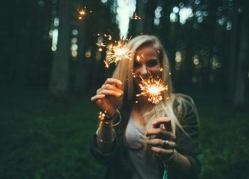 השכרת תאורה למסיבת טבע – למה חשוב לשים לב?