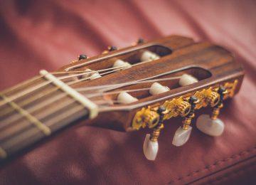 סטנד לגיטרה קלאסית – למה אתם חייבים להשקיע בסטנד