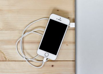 הסכנה בטלפון הסלולרי בזמן ישיבה בשירותים