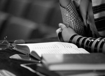 על הנחת תפילין והרקע למצווה
