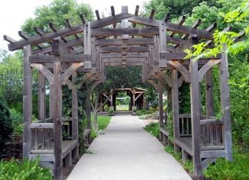 פרגולה אלומיניום דמוי עץ – נהנים מכל העולמות